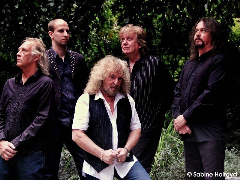 Barclay James Harvest feat. Les Holroyd (UK)